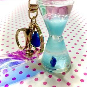Cute Whale Hourglass Keychain: Liquid Shaker Charm